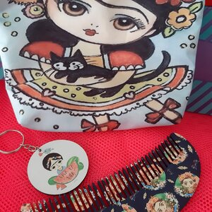 Kit Frida Kahlo: necessarie + pente +chaveiro